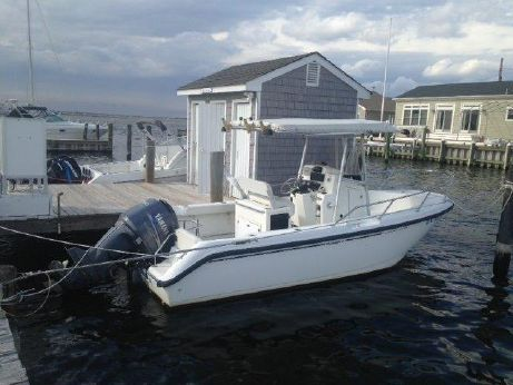 1999 Boston Whaler 210 Outrage
