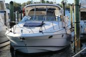 photo of 38' Regal 3760