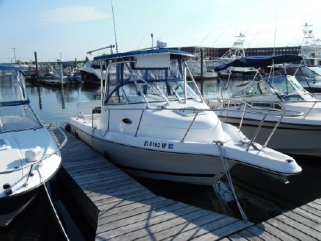 2001 Cobia 230 Walk-Around