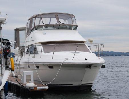 2003 Cruisers Yachts3750...