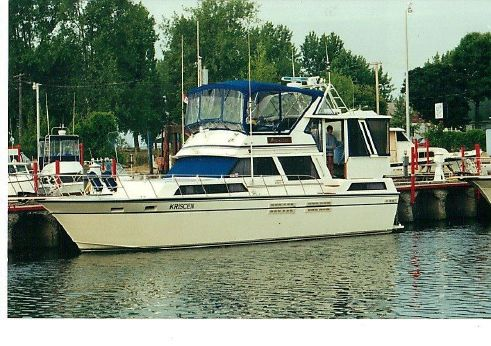 1989 Marinette 41 Motor Yacht