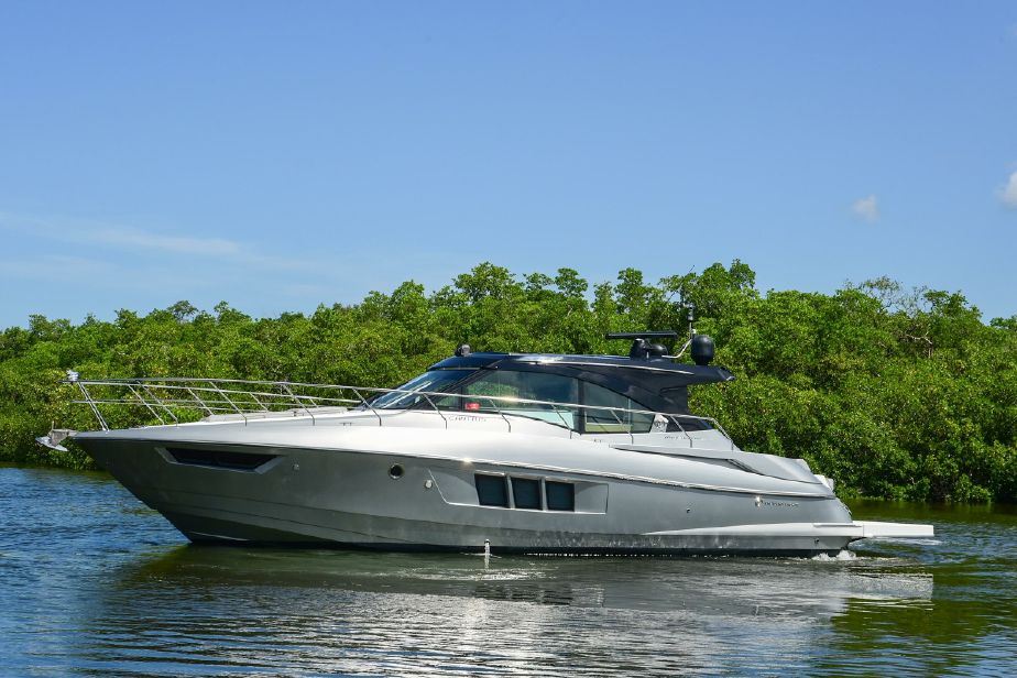 2016 Cruisers Yachts 45 Cantius Power Boat For Sale Www Yachtworld Com