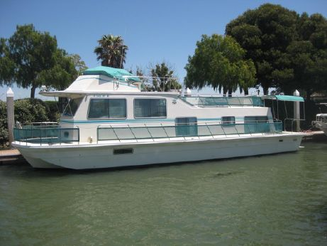 1984 Harbormaster Houseboat
