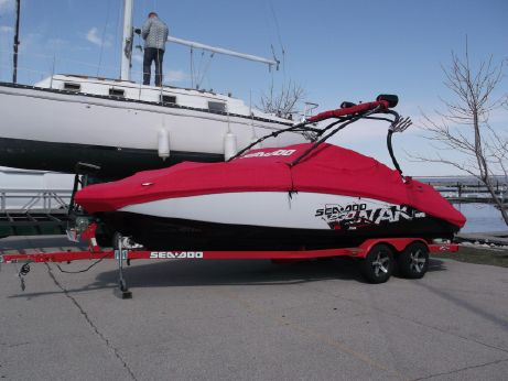 2010 Sea Doo 230 Wake