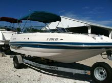 2004 Vectra S-221 DECK BOAT