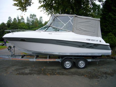 2000 Four Winns Sundowner 205