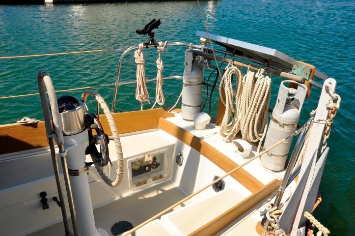 30' Cape Dory Cutter+Photo 16
