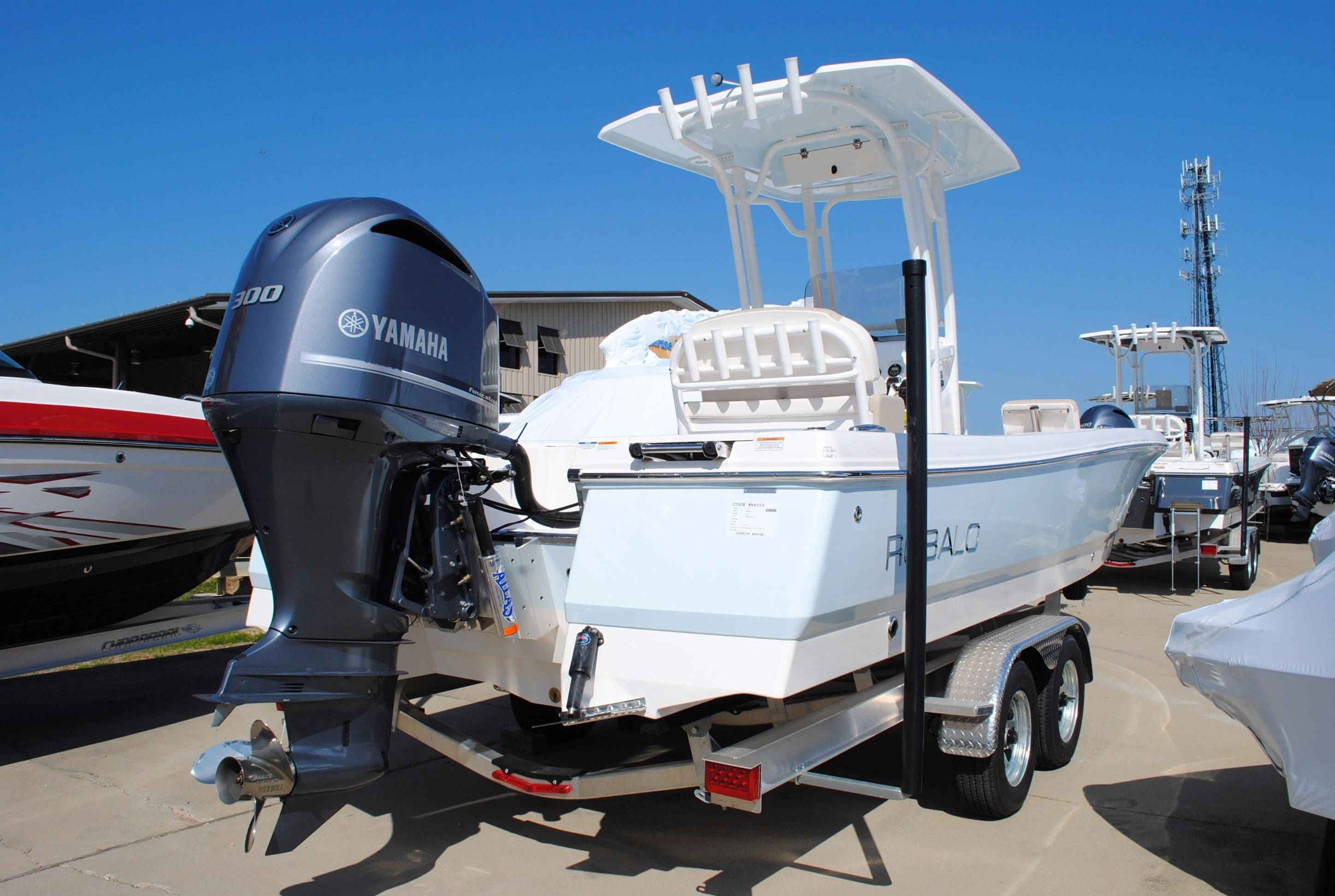 2017 robalo 246 cayman bay boat power new and used boats for for Robalo fish in english