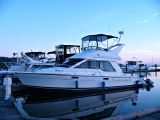 photo of 33' Bayliner 3388 Command Bridge MY