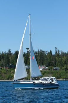 2002 Hunter 460 Sloop