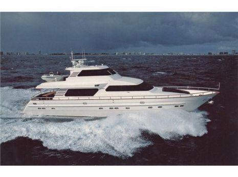 2000 Horizon 2000 Skylounge Motor Yacht