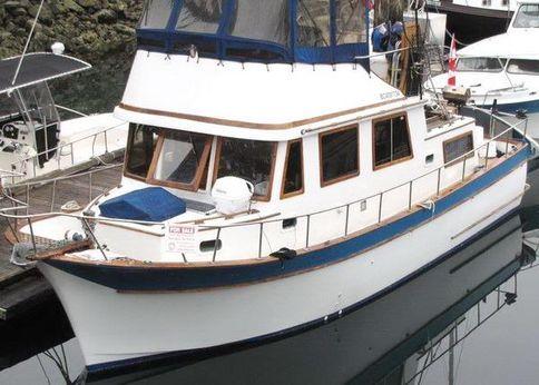 1978 Chien Hwa CHB  34 Tri-Cabin Trawler