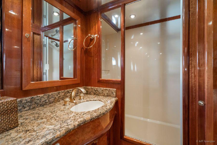 Mckinna 57 Pilothouse Master Bathroom Shower