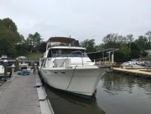 1987 Bayliner 45 Pilot House