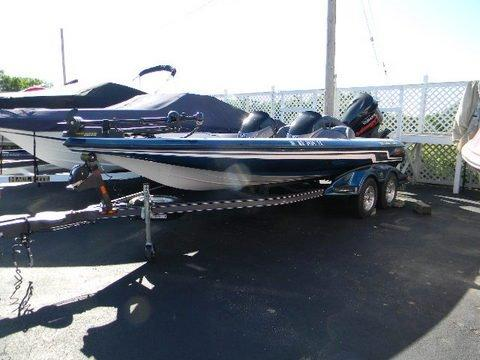 20 ft 2009 skeeter zx225