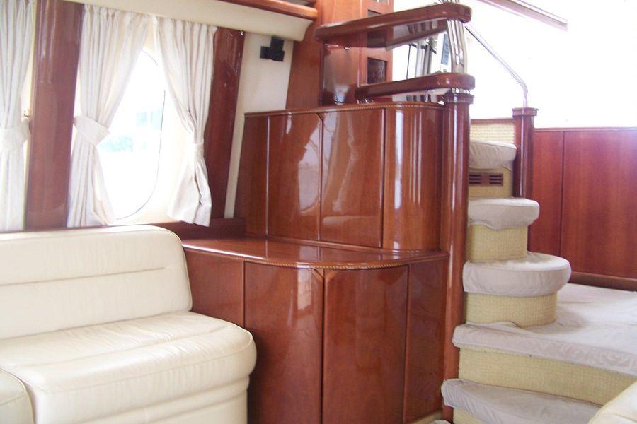 2000 Viking Sport Cruisers 68 Motoryacht Salon