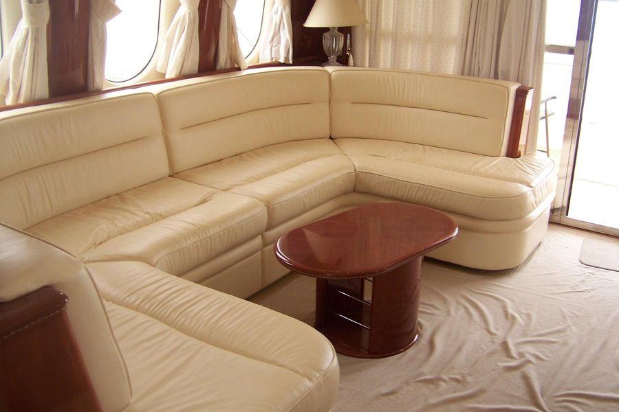 2000 Viking Sport Cruisers 68 Motoryacht Salon Settee