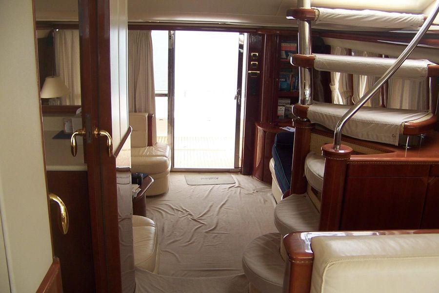 2000 Viking Sport Cruisers 68 Interior Salon