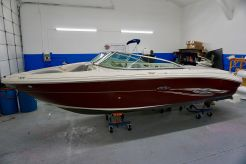 2006 Sea Ray 220 Bow Rider