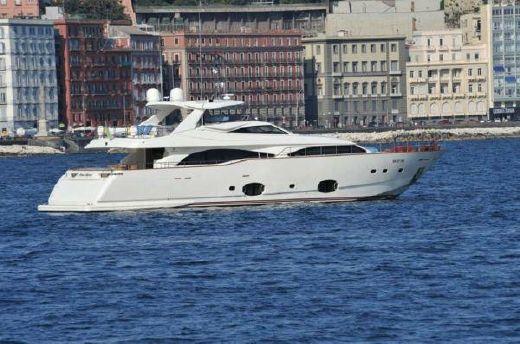 2007 Ferretti Yachts Custom Line 97