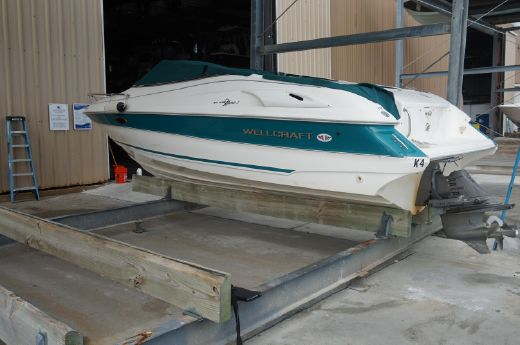 1997 Wellcraft Eclipse 2400
