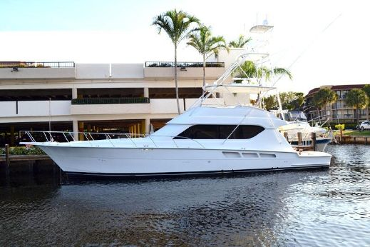 2001 Hatteras 65 Convertible with 3412 Cats