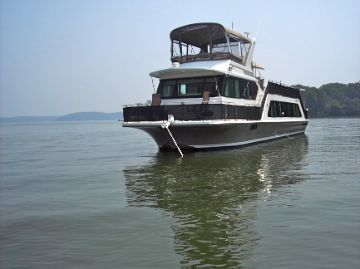 2005 Harbor Master 52 Pilothouse Wide Body