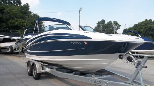 2012 Sea Ray 240  Sundeck