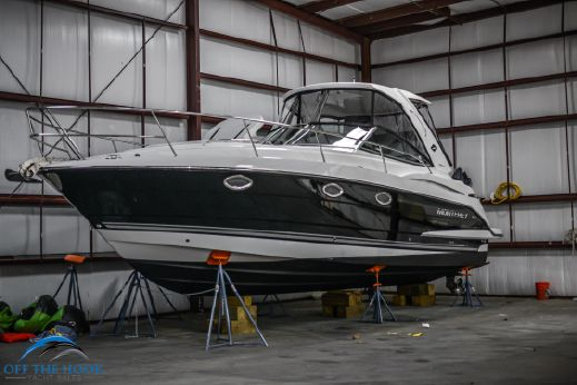 2015 Monterey Sea Ray Regal 355 Sport Yacht