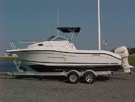 2000 Seaswirl Striper 2300 Walkaround O/B
