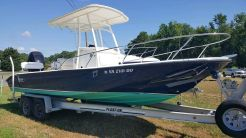 2002 Boston Whaler 220 Dauntless