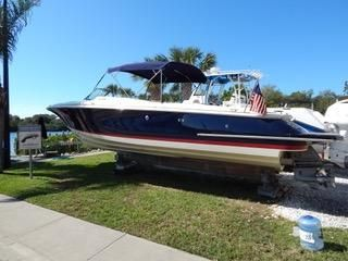 2013 Chris Craft 32 Launch