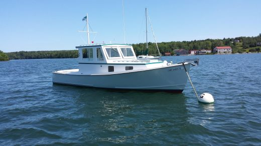 1995 Frank Day Lobster Yacht Picnic Boat