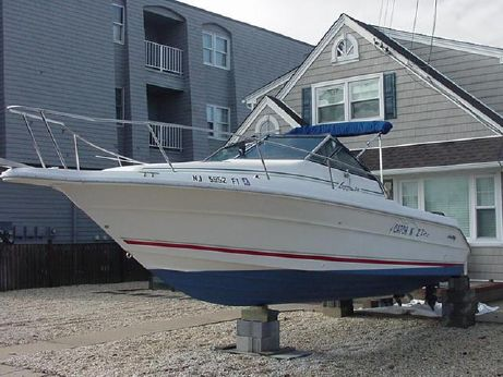 1992 Sea Ray Laguna 24 Flushdeck Cuddy