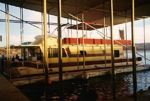1985 Boatel Flybridge Pontoon Houseboat