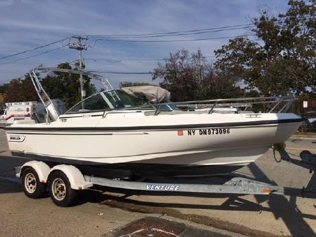 1999 Boston Whaler MONTAUK