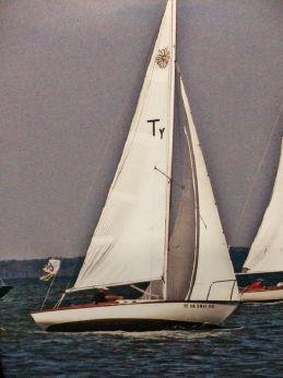 "1981 Cape Dory Typhoon ""Weekender"""