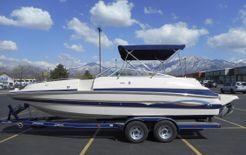 2004 Seaswirl 230 Deck Boat
