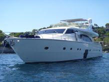 2005 Ferretti 731