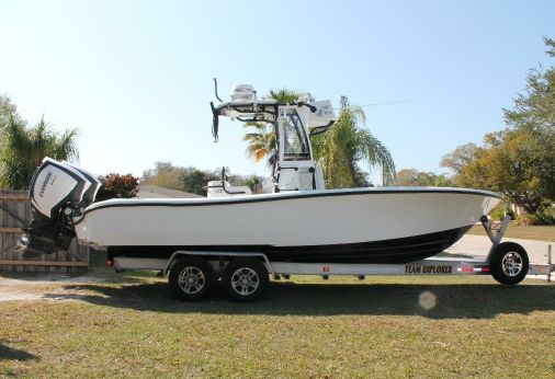 2015 Yellowfin 26 Hybrid