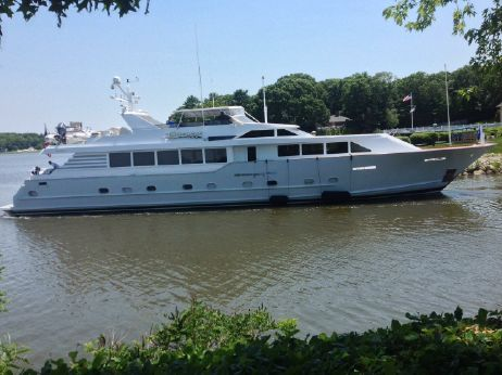 1993 Broward Raised Pilothouse/Wide Beam