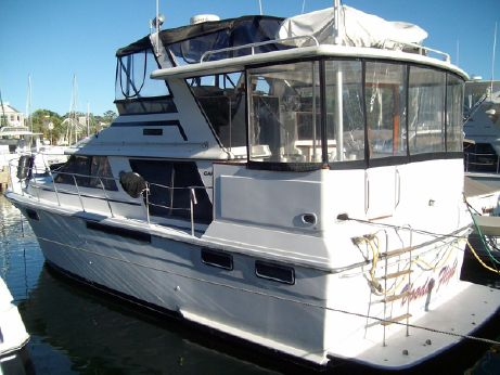 1987 Carver 42 Motor Yacht
