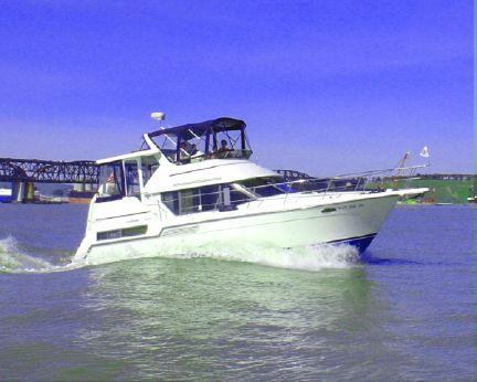 1995 Carver 355 Motor Yacht