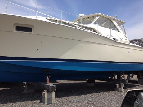 1969 Chris Craft 35 Commander