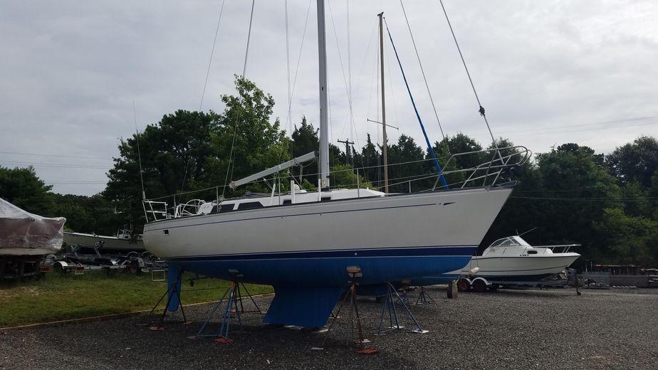 1987 CAL Cal 33 Sailboat Sail Boat For Sale - www yachtworld com