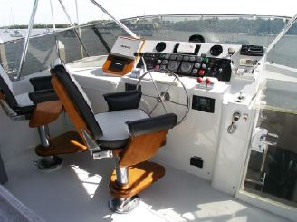 thumbnail photo 2: 1990 Hatteras Motor Yacht with Cockpit