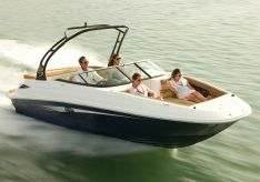 2014 Sea Ray 240 Sundeck