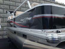2015 Sun Tracker Signature 16' Bass Buggy