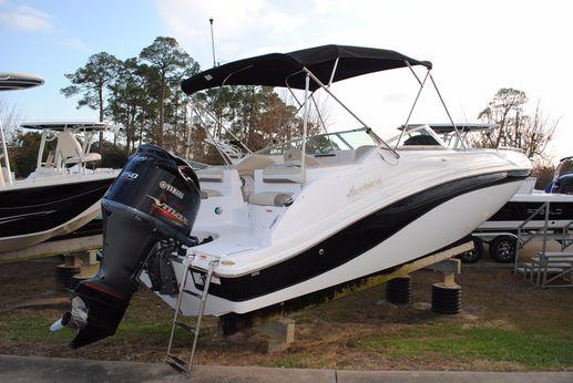 2017 Hurricane SunDeck 2486 OB Deck Boat