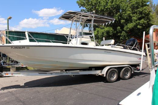 2009 Boston Whaler 230 Dauntless